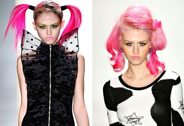 С волосами розового цвета